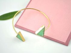This summery jade cuff. | 26 Enchanting Gemstone Accessories You Must Buy