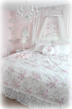 Arts and crafts Simply shabby chic target, Simply shabb. - Arts and crafts Simply shabby chic target, Simply shabby chic rachel ashwe - Vanity Shabby Chic, Shabby Chic Target, Rose Shabby Chic, Cottage Shabby Chic, Shabby Chic Quilts, Estilo Shabby Chic, Shabby Chic Curtains, Simply Shabby Chic, Shabby Chic Interiors
