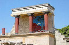 Fragment odrestaurowanego Pałacu Minosa. Fresk reliefowy z bykiem w Bastionie Północnym.