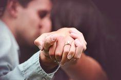 engagement photo #pearengagementring