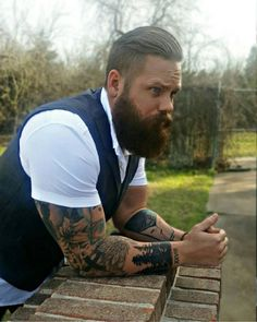 Some of the best beard styles, humor, and bearded men on Instagram! #beards #beardstyles #beardedmen  #BeardsOfInstagram #LuckyAnchor #handsome