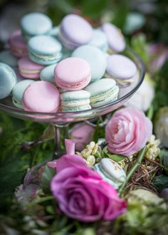 #Pastel coloured #macaroons #recipe #foodphotography #foodstyling #styling #photography Macaroons, Food Styling, Food Photography, Bubbles, Pastel, Table Decorations, Celebrities, Milk, Cookies