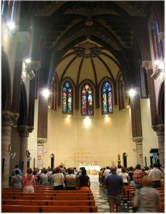 Iglesia mayor. — Javierme / Wikipedia Santa Coloma de Gramenet