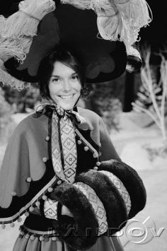 Karen Carpenter, 1974 - on set of Perry Como Christmas Special