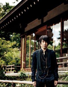 将棋界に新たな名人が誕生した。彼の名は佐藤天彦。28歳の若さにして、将棋界最高峰のタイトルをつかんだ新世代の棋士は、どこまでもファッショナブルでスタイリッシュである。