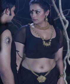 Malayalam Actress Swetha Menon Hot Navel Show Images Beautiful Girl Indian, Beautiful Saree, Beautiful Indian Actress, Beautiful Women, South Actress, South Indian Actress, Hot Actresses, Indian Actresses, Swetha Menon
