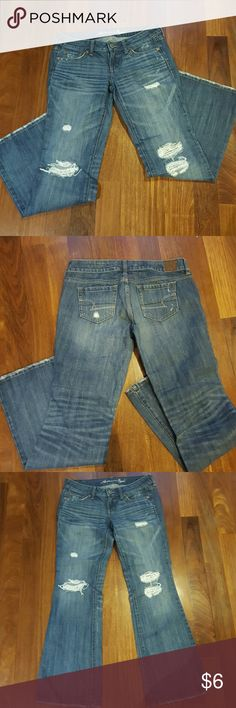 """American eagle """"fave boyfriend"""" distressed jean Stylish and comfy distresses jean Pre-ripped knees, distressed hem 31""""inseam  Hems have no stains or wear at all American Eagle Outfitters Jeans Boot Cut"""