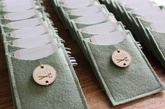 What a cute idea for a party invitation or to use for your business cards!