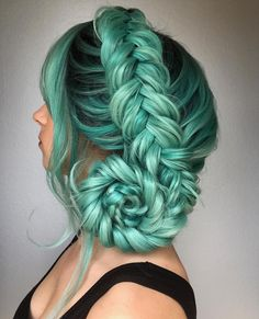 Top 30 Super Gorgeous Wig Hairstyles For Women Hairstyles & Cuts for Women. 30 Super Gorgeous Wig Hairstyles for The Top 10 Hair Color Trends of the Year. Summer Hairstyles, Braided Hairstyles, Cool Hairstyles, Mermaid Hairstyles, Scene Hairstyles, Hairstyles Pictures, Summer Hair Buns, Mint Hair, Pastel Green Hair