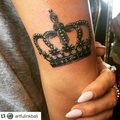 love this crown style and placement