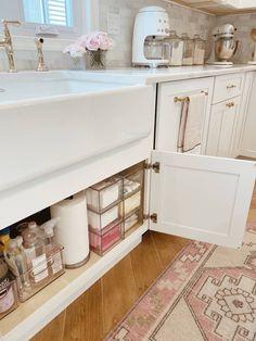 Under Kitchen Sink Organization, Under Sink Storage, Bathroom Organisation, Organize Under Sink, Organization Ideas, Under Sink Drawer, Kitchen Sink Decor, Bathroom Sink Decor, Kitchen Storage