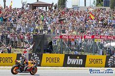 """""""Misión imposible"""" en parar a Márquez. El español Marc Márquez (Repsol Honda RC 213 V) volvió a dar un auténtico recital de pilotaje y de estrategia, esta vez en el Gran Premio de España de MotoGP, puerta del campeonato al Viejo Continente, en donde demostró que no hay quien pueda pararle y que forma una pareja casi imbatible con su moto."""