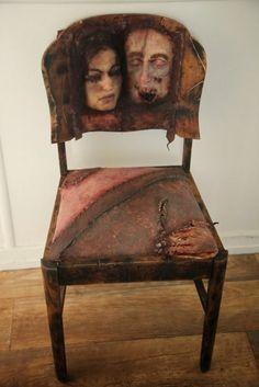 Ed Gein, Human skin made chair