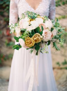 Romantic Wedding Bouquet - More wedding inspiration on Style Me Pretty here - http://www.StyleMePretty.com/2014/02/25/organic-provencal-editorial-get-the-look/ Photography: Rylee Hitchner | Floral Design: Kelly Kaufman |