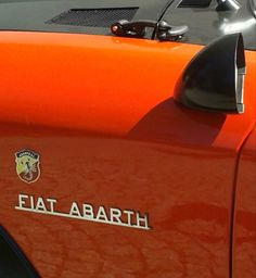 Fiat 124 Spider, The Italian Job, Fiat Abarth, Ac Cobra, Cute Cars, Fiat 500, Cars And Motorcycles, Classic, Vehicles