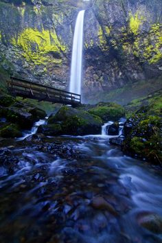 Elowah Falls in the Columbia River Gorge, Oregon, USA