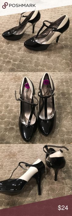Guess platforms. Black and white Guess platforms. Brand new/ Never worn. B&W paten leather 8.5.  5 in heel Guess Shoes Platforms