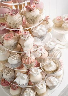 Vintage #Cupcake tower for your #Wedding dessert
