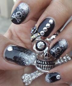 My next nails Crazy Nail Art, Crazy Nails, Dark Nail Designs, Nail Art Designs, Hair And Nails, My Nails, Skull Nails, Metallic Nails, Dark Nails