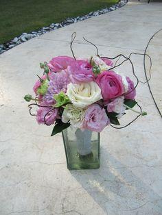 Ranunculus, Ecuadorian Roses, Lisianthus, Chrysanthemums, and Curly Willow