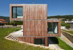 Curiosa casa de madera prefabricada en Cantabria