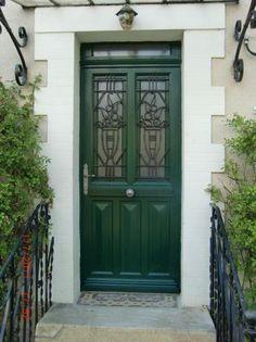 Porte avec ouvrant vitr grille en font partie vitr e for Vitre au dessus d une porte