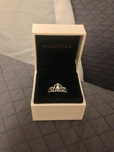 Pandora tiara ring ♡ I feel like I really need this omg.
