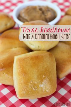 Copycat Texas Roadhouse Bread & Butter Recipe Melt-in-your-mouth Copycat Texas Roadhouse Rolls and Cinnamon Honey Butter recipe at Texas Roadhouse Bread, Copycat Recipes Texas Roadhouse, Texas Roadhouse Rolls And Butter Recipe, Cinnamon Honey Butter, Honey Butter Biscuits, Butter Mochi, Butter Icing, Cookie Butter, Gourmet