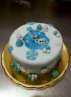 Dětský dortík na téma pohádky Ledové království, potažený bílým fondánem, dozdobený obrázkem z jedlého papíru. Cakepops, Cake Pop, Cake Pops
