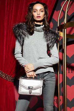 See the complete Philipp Plein Pre-Fall 2017 collection.
