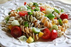 One of my favorite summer salads is a Zesty Italian Pasta Salad. It is easy and simple to make. You can make it with plain noodles or with colored. I omit the black olives! Tuna Salad Pasta, Pasta Salad Italian, Pasta Salad Recipes, Chicken Salads, Macaroni Salad, Broccoli Salad, Chicken Bacon, Cucumber Salad, Chicken Pasta