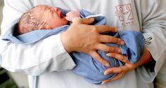 """Dtsch Arztebl 2014; 111(12): Genau wie für freiberufliche Hebammen ist es für Belegärzte außerdem schwierig, überhaupt noch einen Versicherer zu finden. (...)""""Wir müssen leider erkennen, dass in der heutigen Situation eine wohnortnahe Versorgung in der Geburtshilfe vielfach nicht mehr möglich ist"""", sagt BVF-Präsident Dr. med. Christian Albring. (...)  http://www.aerzteblatt.de/archiv/157026/Haftpflichtpraemien-Geburtshilfe-in-Gefahr   #geburtshilfe #umdenkenimsystem #hebammen"""