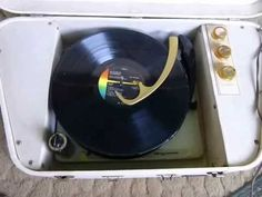 Vintage 1960s Magnavox Stereo Suitcase Turntable Record Player Micromatic