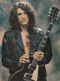Joe Perry of Aerosmith. Joe Perry, Rock Band Photos, Rock Bands, Metal Bands, Steven Tyler, Liv Tyler, Blues Rock, Hard Rock, Heavy Metal