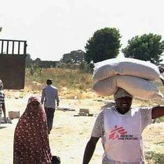 Nigeria 2 milioni e mezzo di sfollati il paese dilaniato a guerra,corruzione Sono circa 2 milioni e mezzo gli sfollati interni, provocati da una guerra che il governo centrale di Abuja sta combattendo, non solo contro i miliziani jihadisti di Boko Haram ma forse anche contro