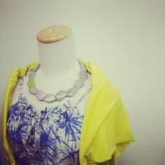 ブルーのワンピと黄色のカーディガンの爽やかな組み合わせ。 Crochet Necklace, Summer, Jewelry, Fashion, Moda, Summer Time, Jewlery, Jewerly, Fashion Styles