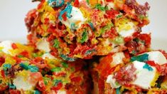 Vary your usual crispy cereal treat bars by using fruit-flavored cereal and marshmallows. Rice Crispy Treats, Krispie Treats, Rice Krispies, Cereal Treats, Paleo Cereal, Quinoa Cereal, Trix Cereal, Baby Cereal, Granola Cereal
