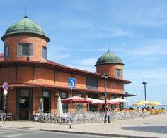 Olhão market halls, cafes ad outside seating