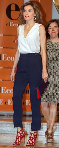 8 June 2016 - Queen Letizia attends 10th anniversary luncheon for El Economista - shoes by Mango