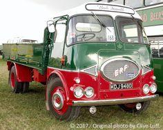 Vintage Bikes, Vintage Trucks, Old Trucks, Old Lorries, Dump Truck, Busses, Car Brands, Commercial Vehicle, Classic Trucks