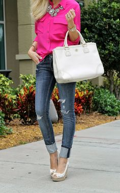 This would be a cute casual outfit. I would switch out the jeans for a skirt and add camel wedges for the fall. Summer Outfits, Casual Outfits, Cute Outfits, Fashion Outfits, Womens Fashion, Country Outfits, Casual Clothes, Country Girls, Casual Wear