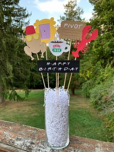 18th Birthday Party Themes, Graduation Party Themes, Birthday Party Centerpieces, 50th Birthday Party, Friend Birthday, Friends Cake, Festa Party, Friends Tv Show, Tonight Alive