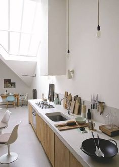 Las Cositas de Beach & eau: DESDE LA ENCIMERA.......... Loft Interior Design, Loft Design, House Design, Concrete Kitchen, Kitchen Flooring, Concrete Floor, Kitchen Interior, Kitchen Decor, Loft Kitchen