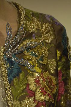 Christian Lacroix Spring 2006 Couture Fashion Show Details