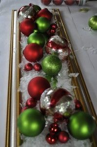 Real Moms DIY Series: Simple Christmas Ornament Centerpiece