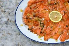 crustycorner: Losos naložený v soli - Gravlax Thai Red Curry, Shrimp, Meals, Cooking, Ethnic Recipes, Cucina, Meal, Kochen, Food