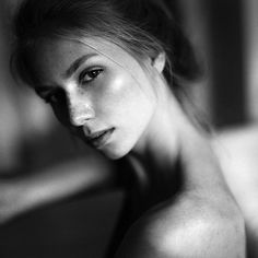 andrepfuetzenreuter_fotografie Sensual portraits on film, this is my passion, my love... #adventuresonfilm #35to220 #onfilm #believeinfilm #filmisnotdead #filmphotography #tmax400 #kodaktmax400 #pentax6x7 #pentax67 #profile_vision #filmandfriends #analogfeatures Muse Maria @eastwestmodels