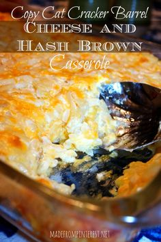 Sometimes ya just need something easy. This copy cat recipe for Cracker Barrel Cheese and Hash Brown Casserole fits the bill. THE best! Cheese Hashbrown Casserole, Cheesy Hashbrowns, Breakfast Casserole, Potato Casserole Hash Brown, Cheesey Potatoes Casserole, Cheese Potatoes, Breakfast Potatoes, Cracker Barrel Cheese, Cracker Barrel Cheesy Potatoes