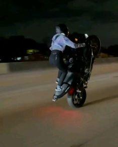 Girl Riding Motorcycle, Motorbike Girl, Biker Love, Biker Girl, Girl Motorcyclist, Image Moto, Stunt Bike, Bike Photoshoot, Futuristic Motorcycle