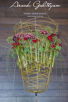 мастер-флорист Даниэль Сантамария (Испания) Daniel Santamaria Floral Design https://www.facebook.com/DanielSantamariaFloralDesign?fref=ts